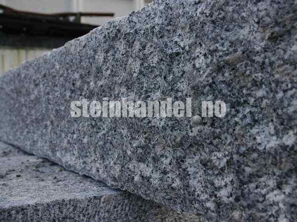 Granitt Kantstein 10x25 R�hugd