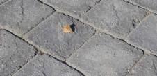 Asak Relieff Rustikk kvadrat XL Gråmix